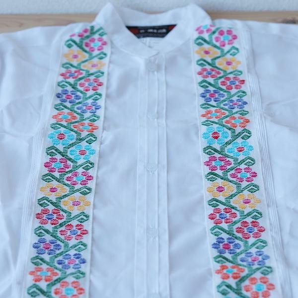 刺繍のドレスシャツで春の装い*