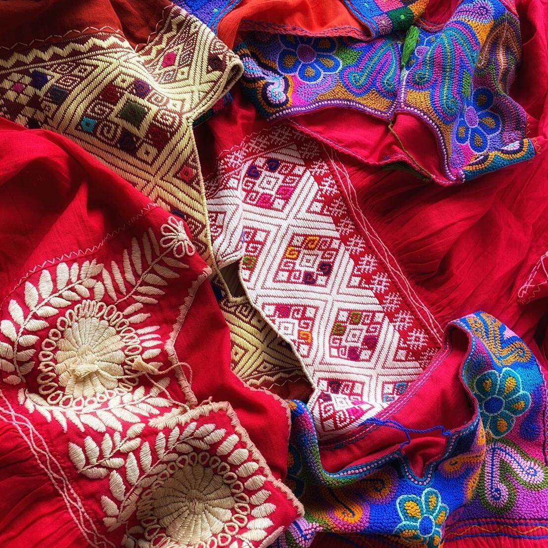 メキシコ刺繍ブラウス〜レッド系〜