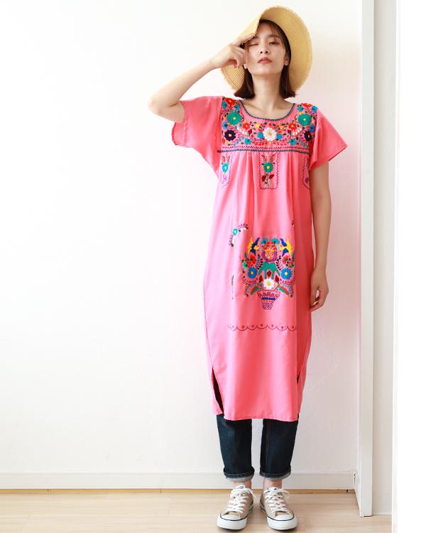 メキシコ刺繍ワンピースは夏の定番ファッション♪〜ピンクで元気に〜